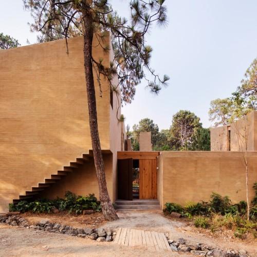 entre-pinos-house-by-taller-hector-barroso_dezeen_2364_col_8