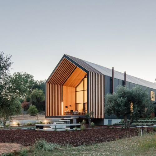 house-ourem-filipe-saraiva-architecture-residential-portugal_dezeen_hero-1-1704x959