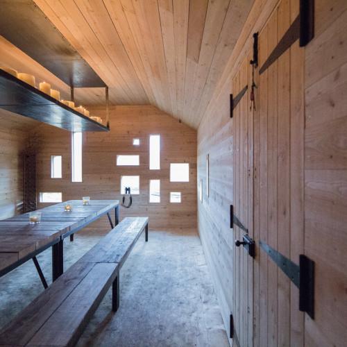 modernist-highland-hut-moxon-architecture-residential_dezeen_2364_col_2