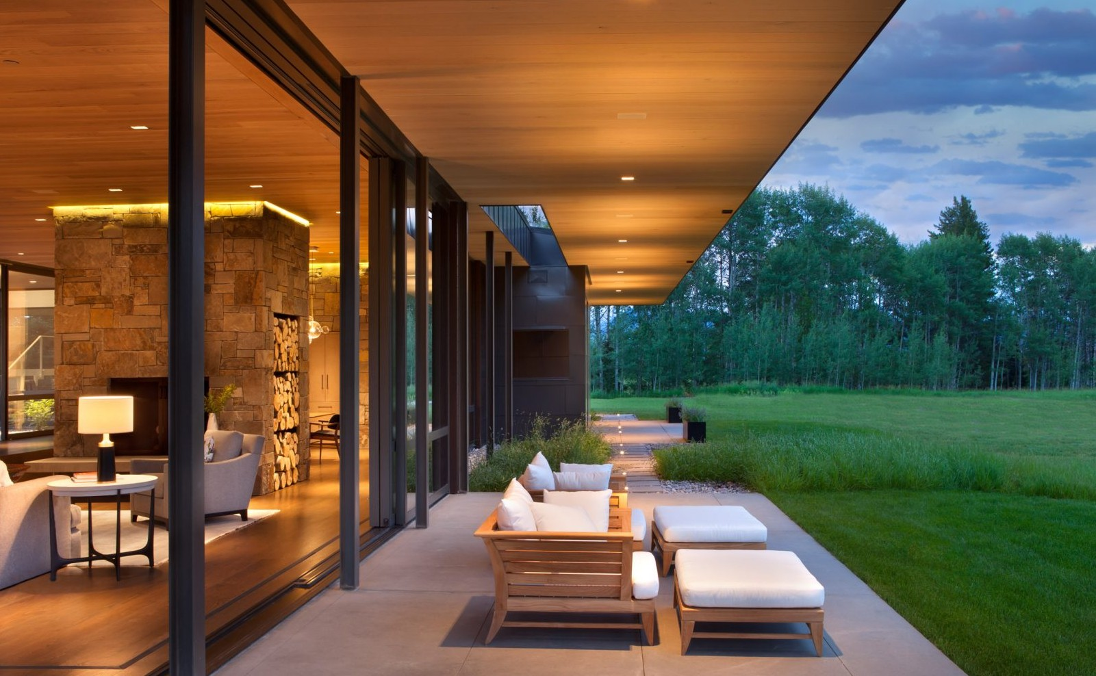 crescent-h-carney-logan-burke-architects-residential-architecture-wyoming-usa_dezeen_2364_col_14-1704x1136