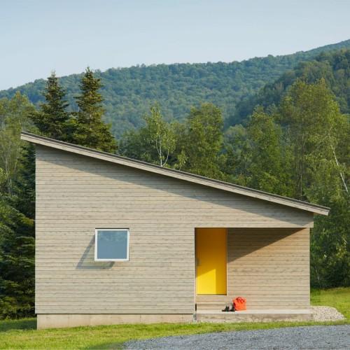 elizabeth-herrmann-architecture-deisgn-micro-house-microhouse-tiny-house-minimal-vermont-usa-jim-westphalen_dezeen_16-1704x1274