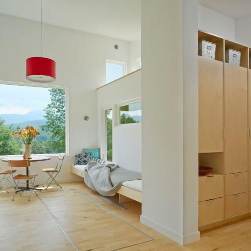 elizabeth-herrmann-architecture-deisgn-micro-house-microhouse-tiny-house-minimal-vermont-usa-jim-westphalen_dezeen_2-1704x1335