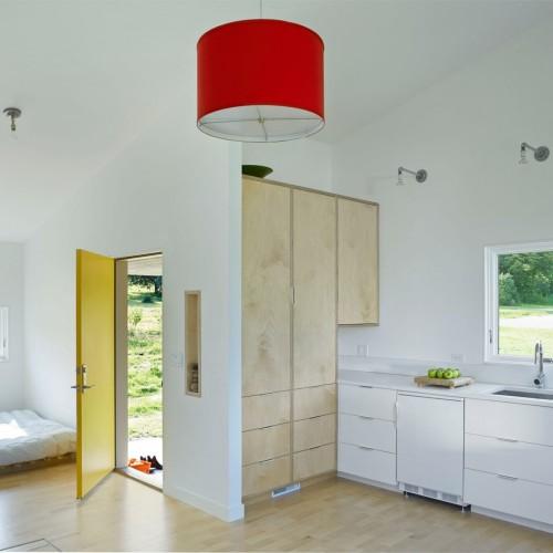elizabeth-herrmann-architecture-deisgn-micro-house-microhouse-tiny-house-minimal-vermont-usa-jim-westphalen_dezeen_5-1704x1345