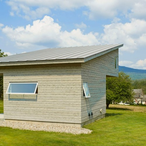 elizabeth-herrmann-architecture-deisgn-micro-house-microhouse-tiny-house-minimal-vermont-usa-jim-westphalen_dezeen_9-1704x803