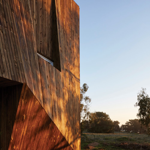 two-skins-house-veronica-arcos-huaquen-del-mar-condominium-chile_dezeen_2364_col_11