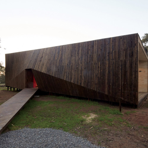 two-skins-house-veronica-arcos-huaquen-del-mar-condominium-chile_dezeen_2364_col_16