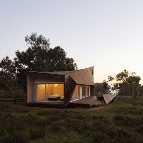 two-skins-house-veronica-arcos-huaquen-del-mar-condominium-chile_dezeen_2364_col_19