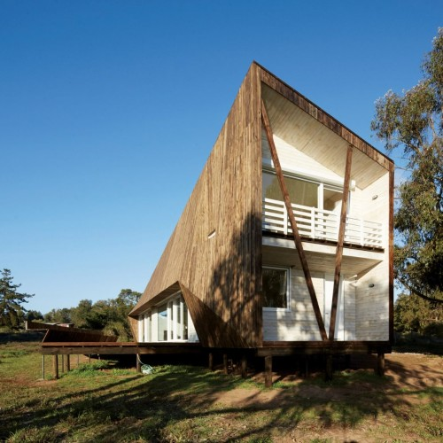 two-skins-house-veronica-arcos-huaquen-del-mar-condominium-chile_dezeen_2364_col_2-1704x1136