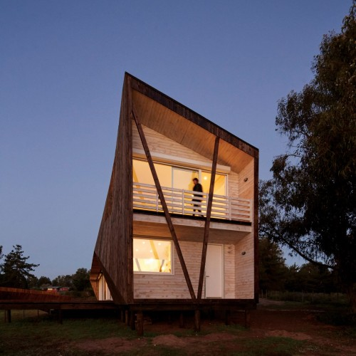 two-skins-house-veronica-arcos-huaquen-del-mar-condominium-chile_dezeen_2364_col_22-1704x1949