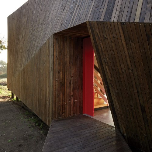 two-skins-house-veronica-arcos-huaquen-del-mar-condominium-chile_dezeen_2364_col_3