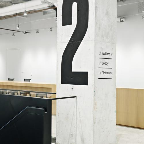 03_2nd-floor_signage