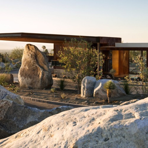 desert-palisades-guardhouse-studio-ar-d-palm-springs-california-usa_dezeen_2364_col_1-1704x1136