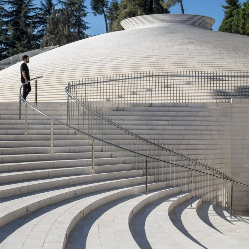 mount-herzl-memorial-jerusalem-kimmel-eshkolot_dezeen_2364_col_66-1704x2555