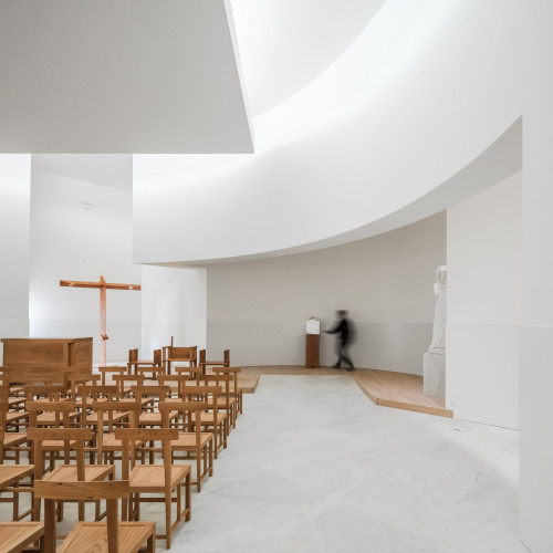 new-church-saint-jacques-alvaro-siza-architecture-public-and-leisure-worship-france_dezeen_2364_col_14