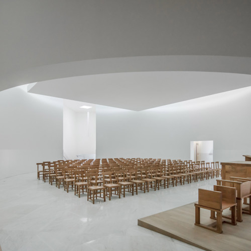 new-church-saint-jacques-alvaro-siza-architecture-public-and-leisure-worship-france_dezeen_2364_col_16