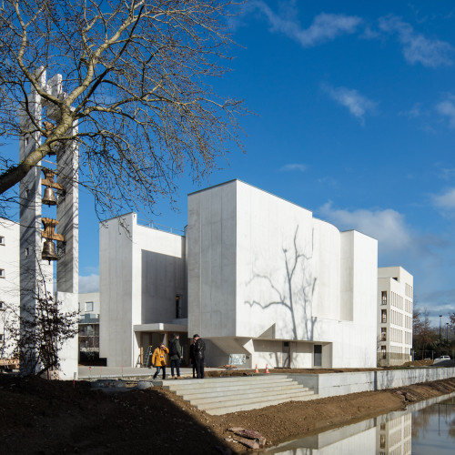 new-church-saint-jacques-alvaro-siza-architecture-public-and-leisure-worship-france_dezeen_2364_col_5