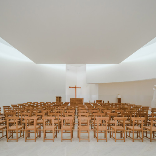 new-church-saint-jacques-alvaro-siza-architecture-public-and-leisure-worship-france_dezeen_2364_col_7