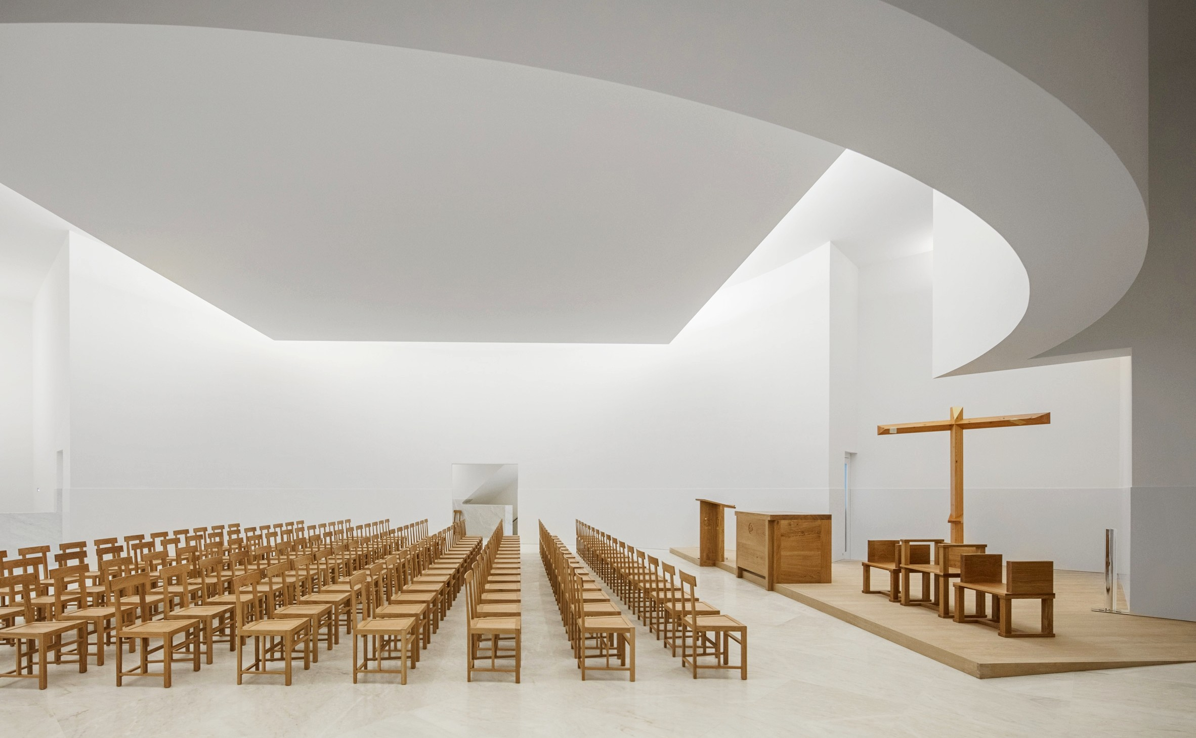 xxxnew-church-saint-jacques-alvaro-siza-architecture-public-and-leisure-worship-france_dezeen_2364_col_12