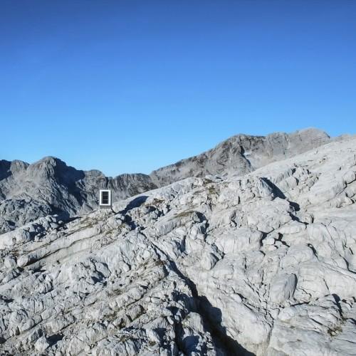 WINTER-CABIN-MOUNT-KANIN_OFIS_FOTO_ALES-GREGORIC_27