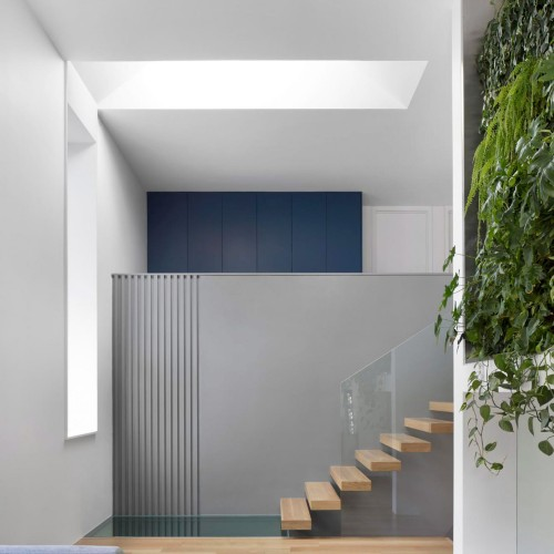 residence-courcelette-naturehumaine-montreal-canada-plants-renovation_dezeen_2364_col_15-1704x2557