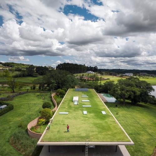 planar-house-studio-mk27-architecture-brazil_dezeen_2364_col_5-1704x2265