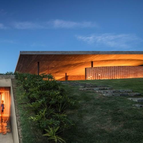 planar-house-studio-mk27-architecture-brazil_dezeen_2364_col_52-1704x1136