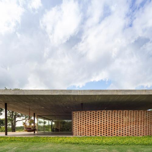 planar-house-studio-mk27-architecture-brazil_dezeen_2364_col_7