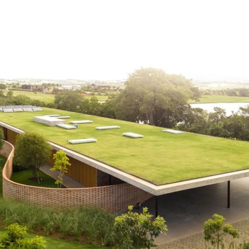 planar-house-studio-mk27-architecture-brazil_dezeen_2364_hero2-1704x958