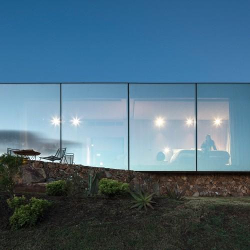 sacromonte-landscape-shelters-mapa-architecture-hotels-uruguay-prefabricated_dezeen_2364_col_10-1704x1133