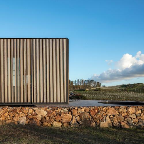 sacromonte-landscape-shelters-mapa-architecture-hotels-uruguay-prefabricated_dezeen_2364_col_3