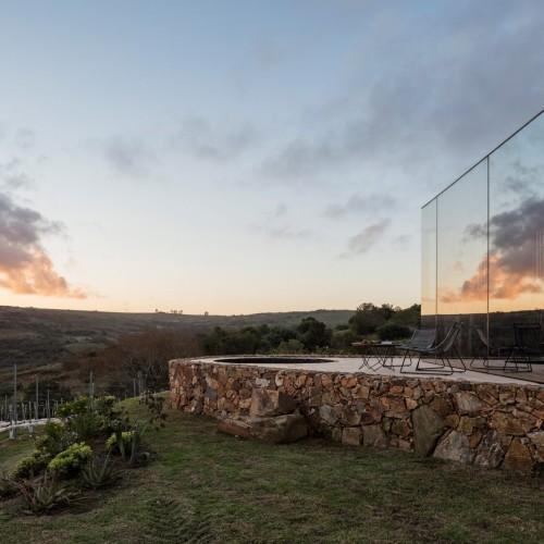 sacromonte-landscape-shelters-mapa-architecture-hotels-uruguay-prefabricated_dezeen_2364_col_5-1704x1130