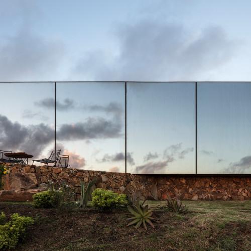 sacromonte-landscape-shelters-mapa-architecture-hotels-uruguay-prefabricated_dezeen_2364_col_6