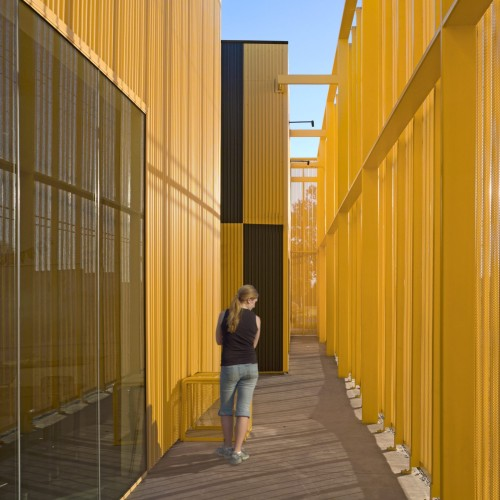 south-los-angeles-high-school-brooks-scarpa-architecture-yellow-california-usa_dezeen_2364_col_29-1704x2556