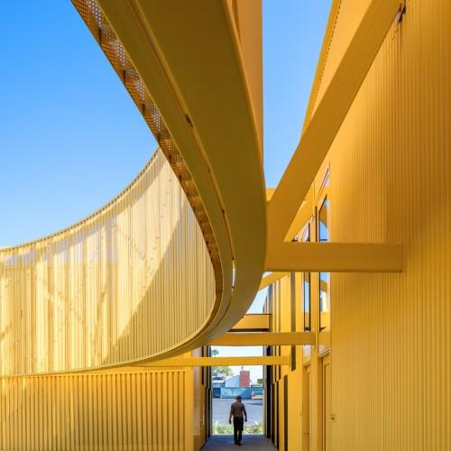 south-los-angeles-high-school-brooks-scarpa-architecture-yellow-california-usa_dezeen_2364_col_8-1704x2555