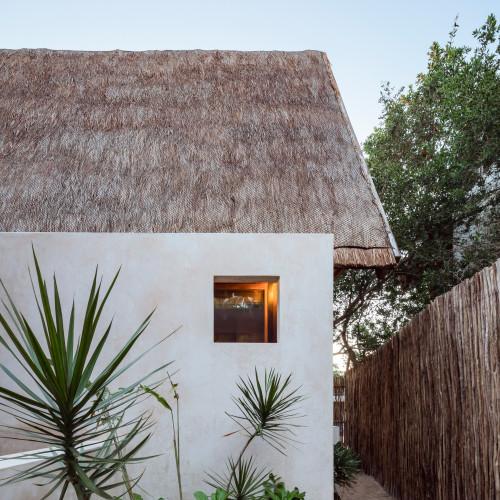 punta-caliza-estudio-macias-peredo-architecture-interiors-hotels-holbox-mexico_dezeen_2364_col_16
