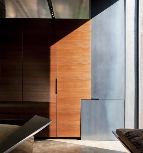 Desert_Courtyard_House_b_-Wendell_Burnette_Architects_dezeen_468_12
