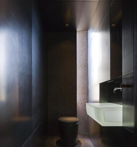 Desert_Courtyard_House_b_-Wendell_Burnette_Architects_dezeen_468_13