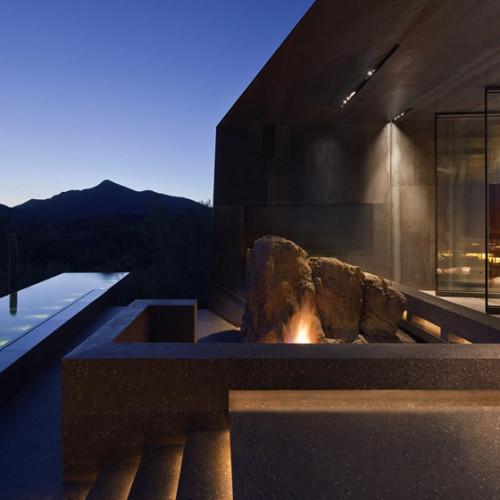Desert_Courtyard_House_b_-Wendell_Burnette_Architects_dezeen_784_12