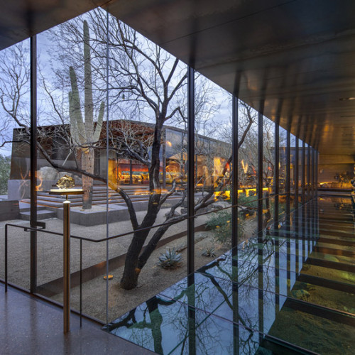 Desert_Courtyard_House_b_-Wendell_Burnette_Architects_dezeen_784_5
