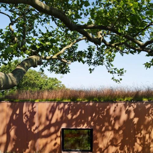 peconic-house-mapos-studio-hamptons-long-island-new-york_dezeen_2364_col_14-1704x2551
