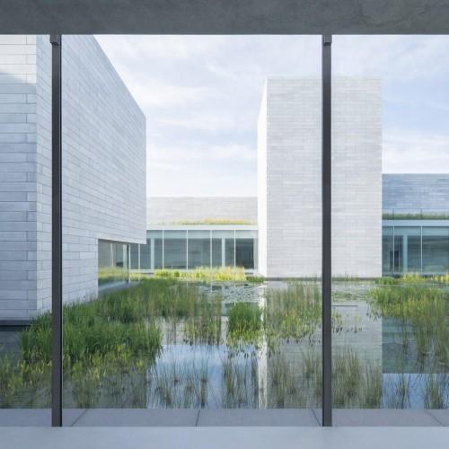 glenstone-museum-thomas-phifer-architecture-maryland-usa_dezeen_2364_col_9-1704x1136