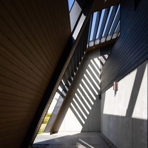 treow-brycg-omar-gandhi-architect-architecture-house-nova-scotia-canada_dezeen_2364_col_0-1704x1704
