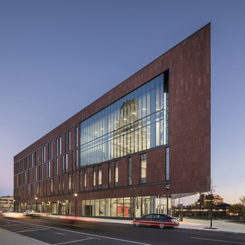 Nursing_and_Science_Building_Ext_North_Dusk_2