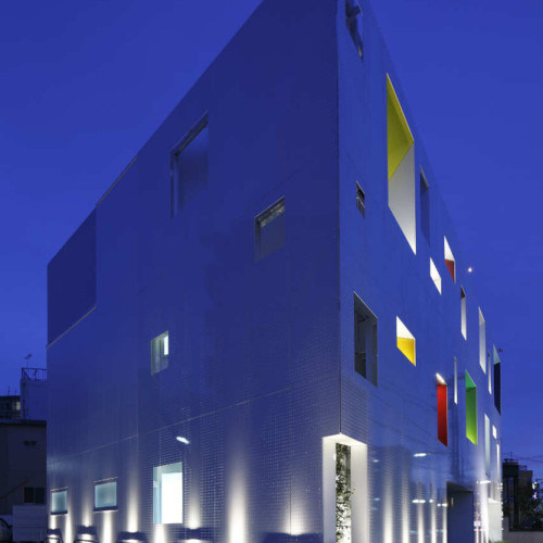 Sugamo Shinkin Bank, Tokiwadai Branch : Emmanuelle Moureaux1