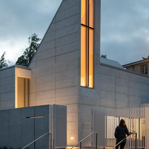 chapel-for-st-marys-cavagnero-associates-albany-california_dezeen_2364_col_1