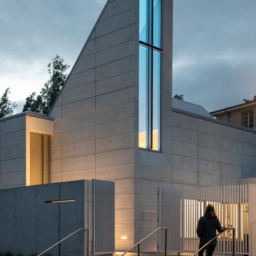 chapel-for-st-marys-cavagnero-associates-albany-california_dezeen_2364_col_2