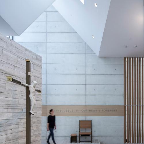 chapel-for-st-marys-cavagnero-associates-albany-california_dezeen_2364_col_5