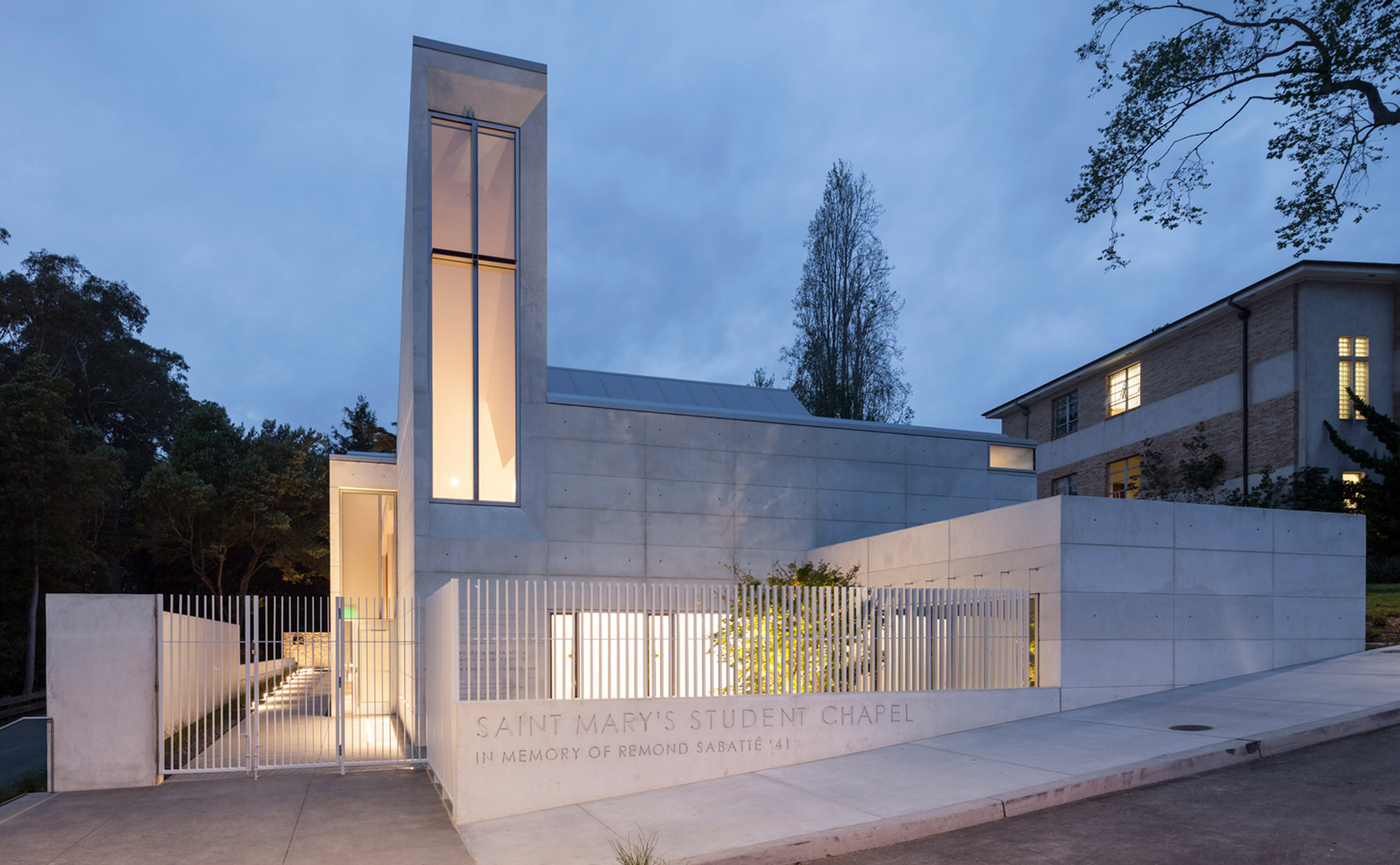 chapel-for-st-marys-cavagnero-associates-albany-california_dezeen_hero