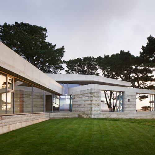 peter-zumthor-secular-retreat-living-architecture_dezeen_2364_col_2