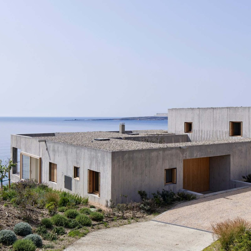 patio-house-ooak-architects-residential-architecture-house-greece_dezeen_2364_col_1